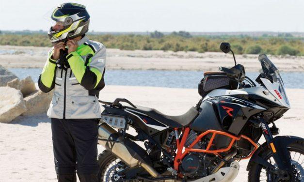 Comienza la aventura bien equipado con la chaqueta Axo Touring Ford