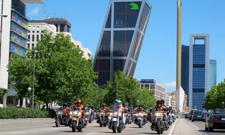 Moteros solidarios ofrecieron paseos en Harley por Madrid