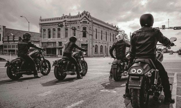 Tu Harley-Davidson Dark CustomTM con el nuevo programa de financiación