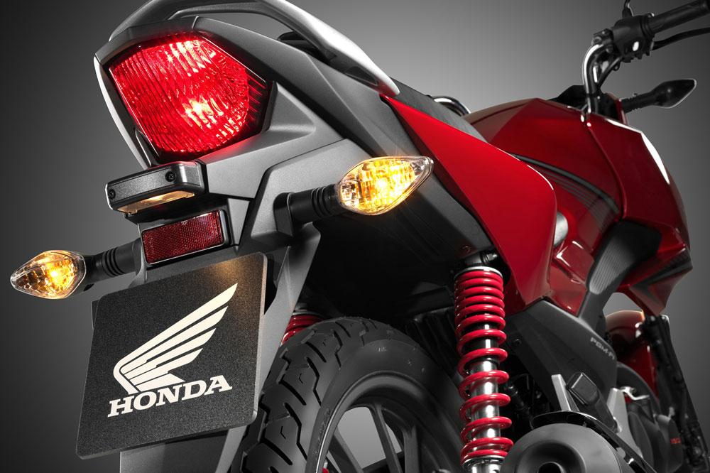 Parte posterior de la Honda CB 125 F
