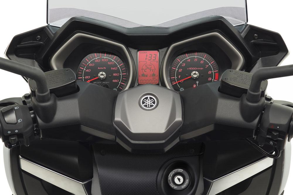 Cuadro de instrumentos del Yamaha X Max 400