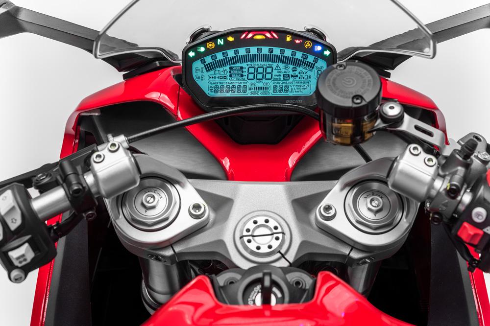 Cuadro de instrumentos de la Ducati 939 Supersport
