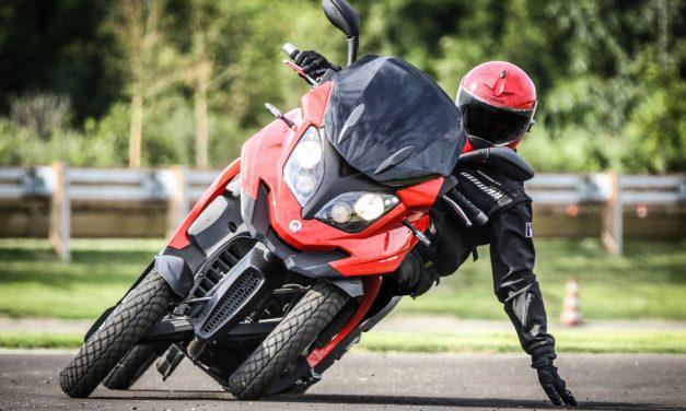 Quadro 4, un scooter con cuatro ruedas