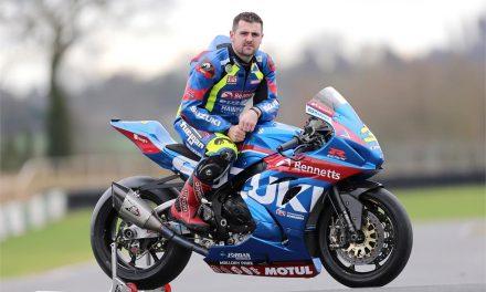 Michael Dunlop correrá con Bennetts Suzuki