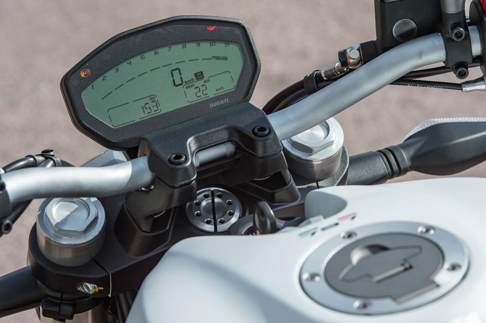 Cuadro de instrumentos de la Ducati 797