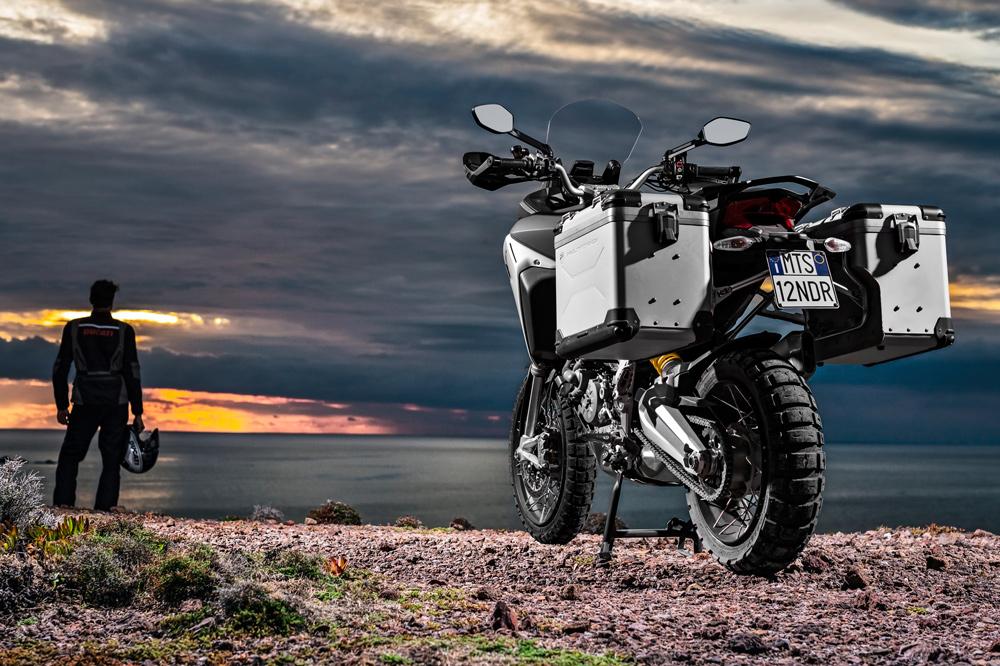 El equipaje en moto