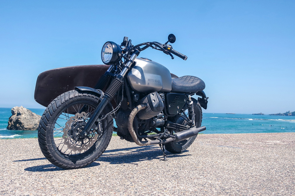Wheels & Waves Moto Guzzi V7 II