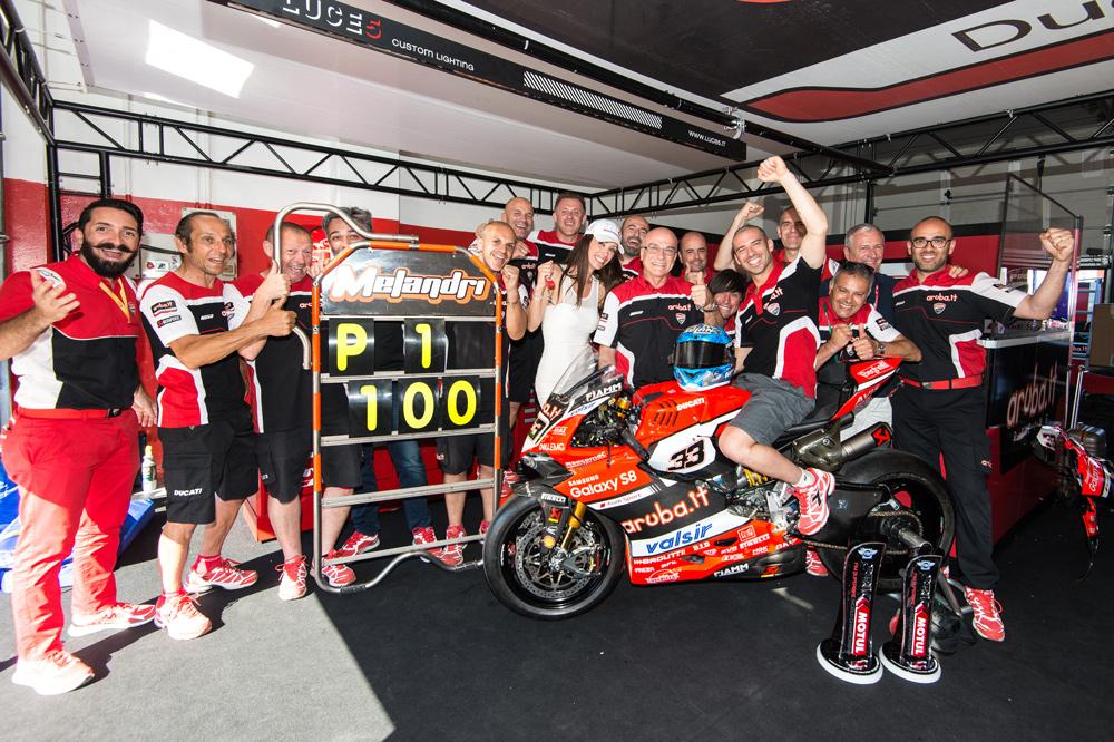 La victoria de Marco Melandri es la número 100 de un piloto italiano en el Mundial SBK