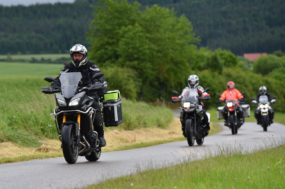 Juego de maletas rígidas para viajar en moto
