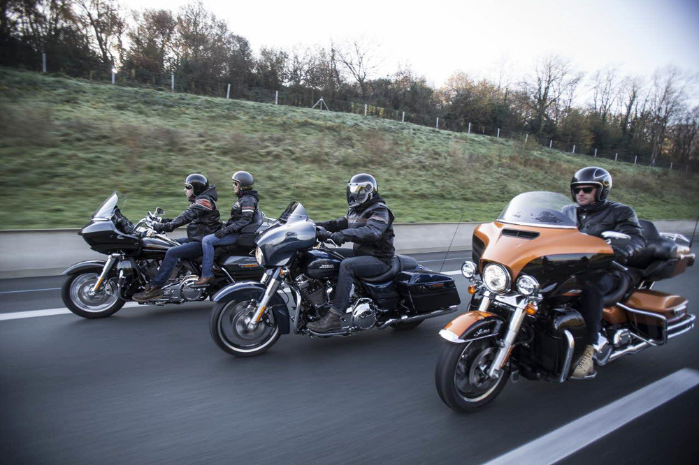 Viajar en moto en grupo