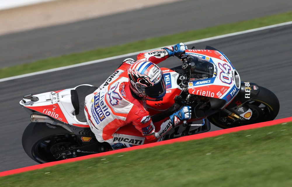 Dovizioso se lleva la carrera de MotoGP de Gran Bretaña
