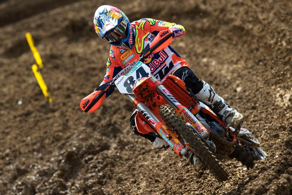 Jeffrey Herlings logró la victoria combinada en MXGP en Francia