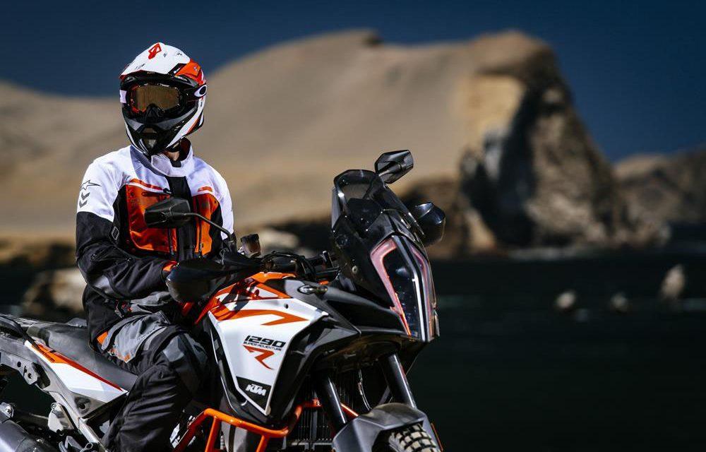Nuevas chaquetas y pantalones KTM y Alpinestars: seguridad y confort en todo momento
