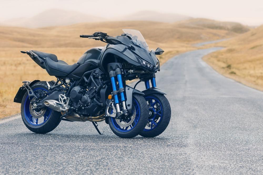 El Yamaha Niken es una moto de tres ruedas con motor tricilindrico de grandes prestaciones