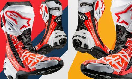 Homenaje a Dani Pedrosa de Alpinestars con sus botas edición limitada «Samurai» Supertech R