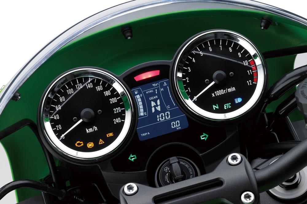 Kawasaki Z 900 RS Cafe, cuadro de instrumentos digital y analógico