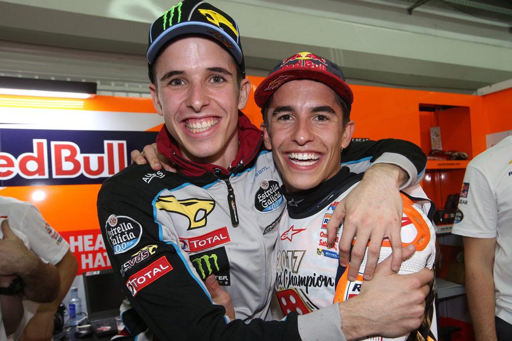 Marc y Alex Márquez tras el Gran Premio de Valencia 2017