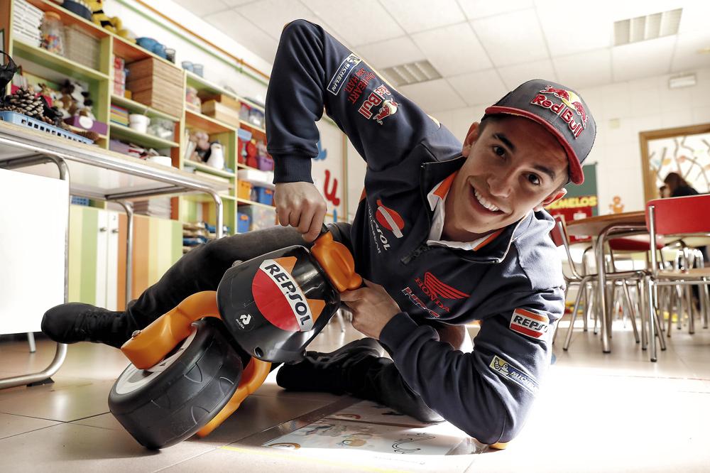 Marc Márquez bromea sobre su salvada en el GP de Valencia