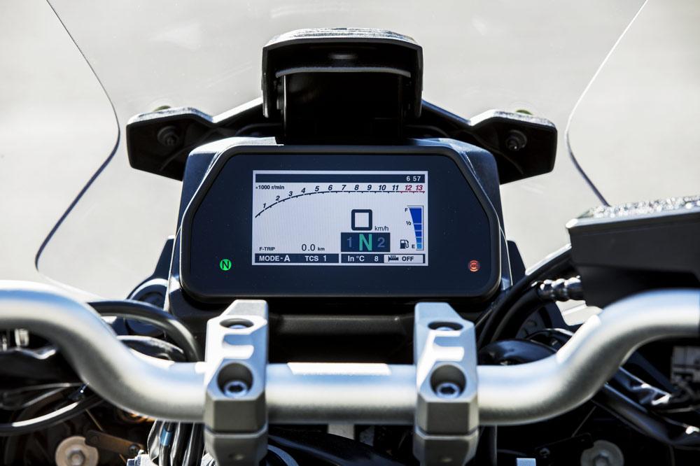 Yamaha Tracer 900 2018, cuadro de instrumentos de la versión GT
