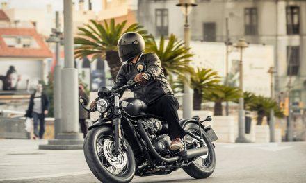 Nueva Triumph Bonneville Bobber Black