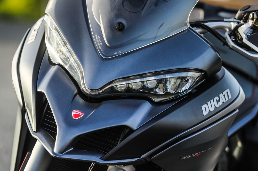 Faros adaptativos en la Ducati Multistrada 1260 S