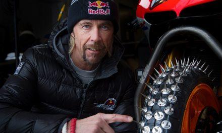 Conducir en moto con nieve o hielo, ¿es una locura?