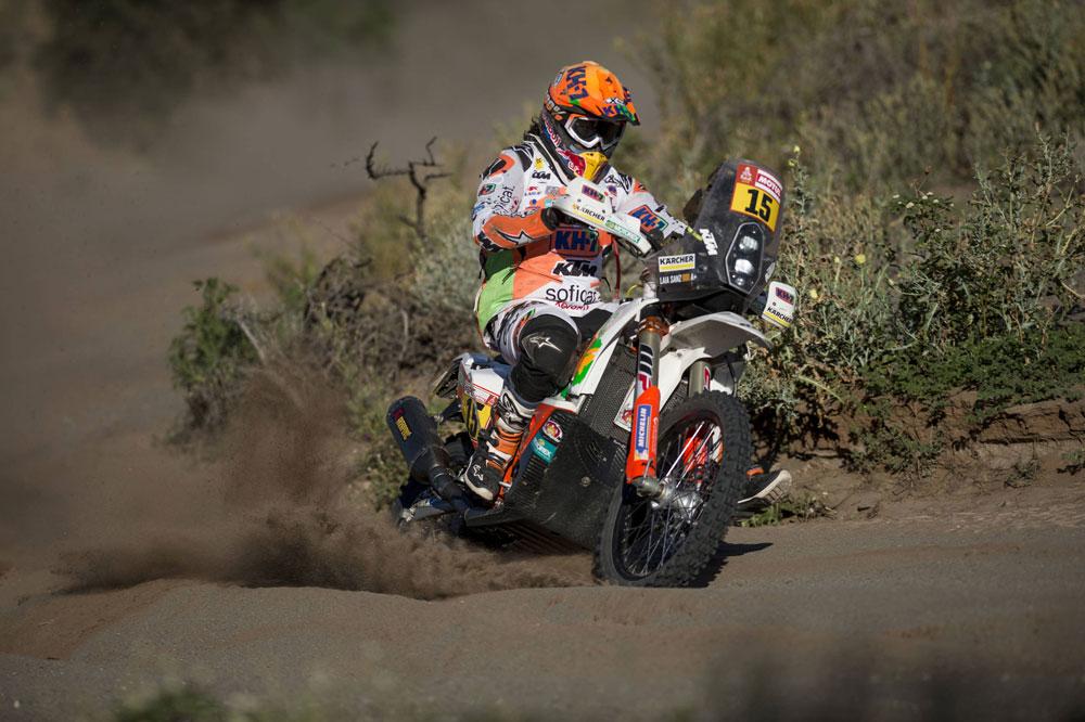 Laia Sanz sigue luchando por acabar en el top 15 del Dakar 2018