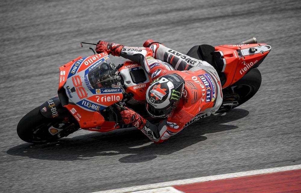 Jorge Lorenzo vuela en el tercer día de entrenamientos MotoGP en Sepang