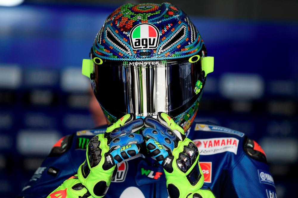Valentino Rossi parece que ha encontrado el rumbo con una moto basada en la de 2016 y mejoras en el motor