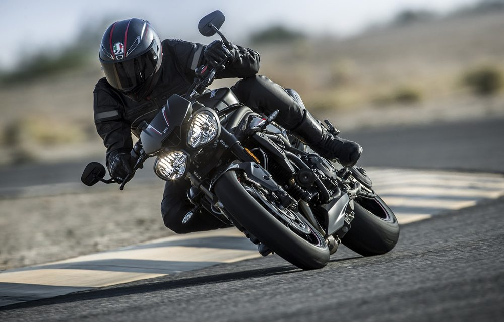 Triumph Speed Triple 2018: Divertida