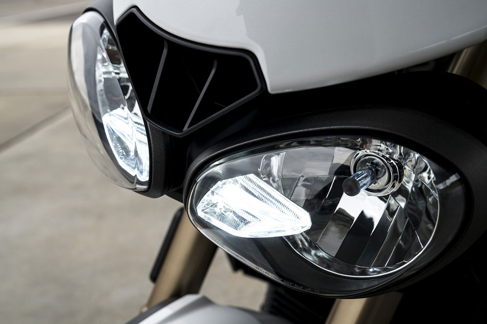 Luces DRL en la Triumph Speed Triple 2018