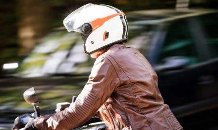 Adelántate al verano con el casco jet DJ10-2 de Astone