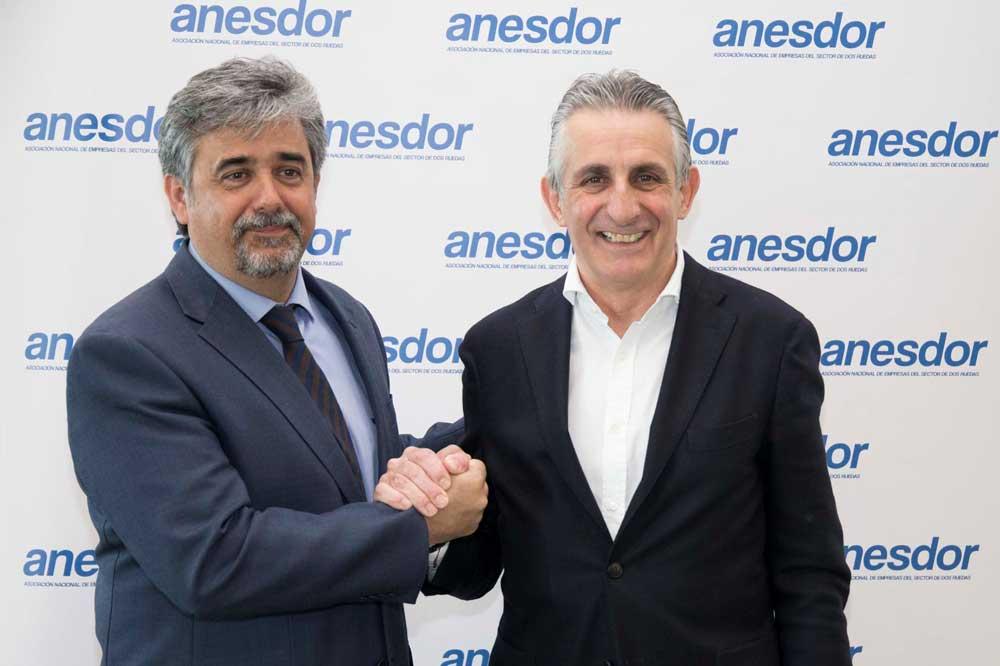César Rojo con su sucesor en la presidencia de Anesdor, Víctor González