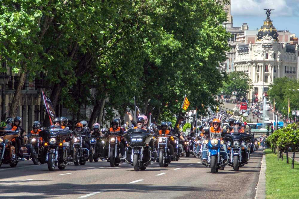 Desfile Harley-Davidson Concentración KM0