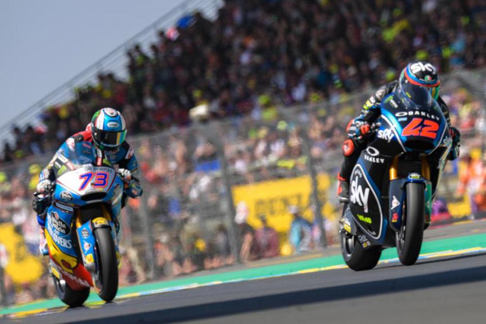 Pecco Bagnaia y Alex Marquez durante el GP de Francia