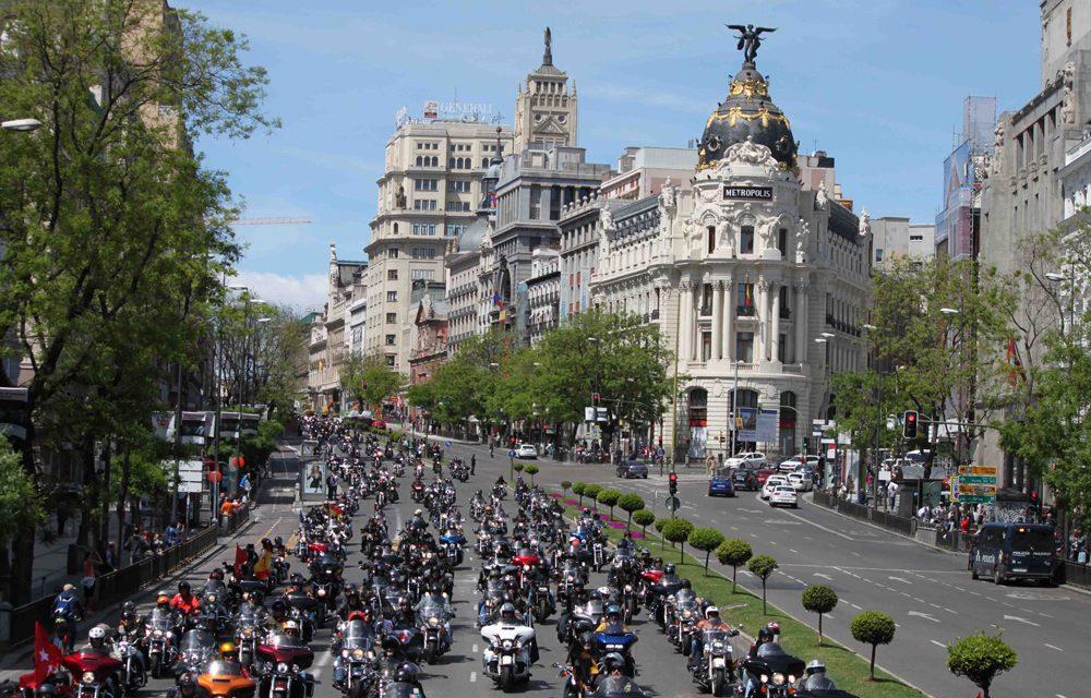 1.500 Harley Davidson por el centro de Madrid