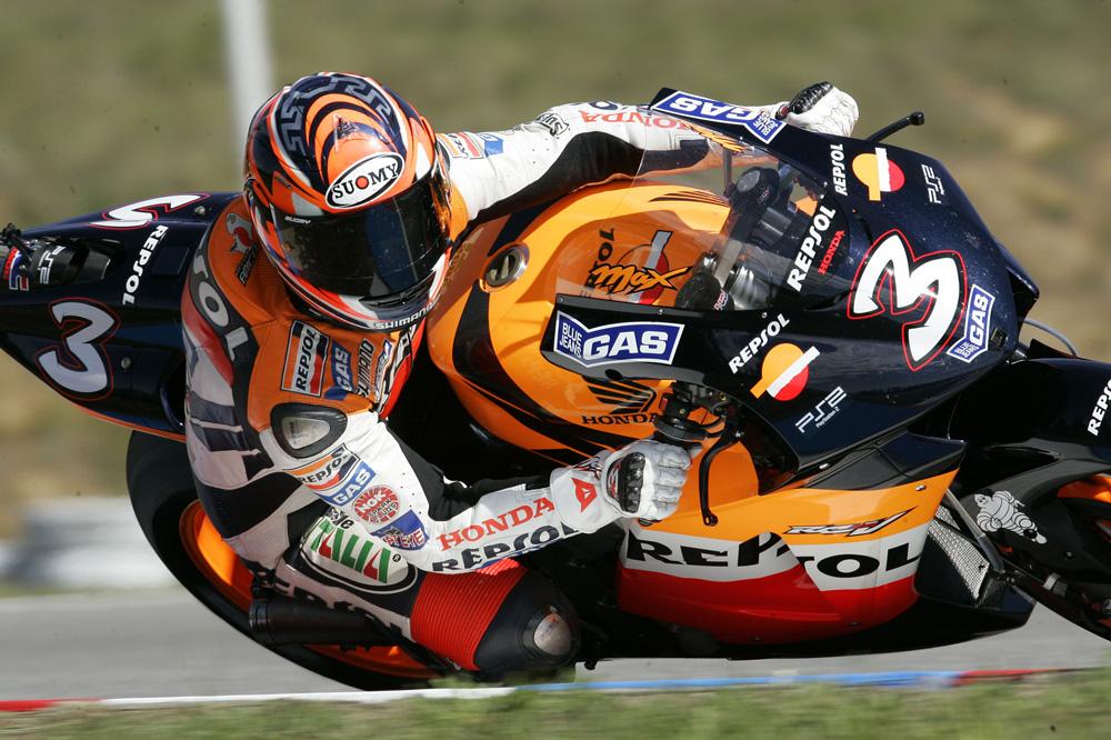 Max Biaggi durante su etapa en el equipo Repsol Honda