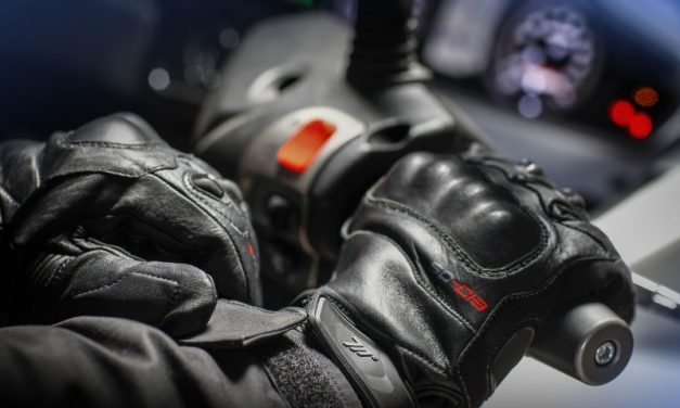 Guantes para moto con sistema Pro-Curve de Seventy Degrees