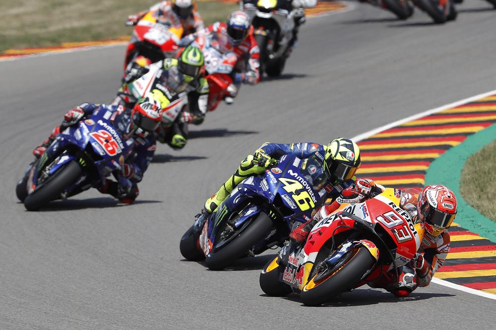 Marquez, Rossi y Viñales durante el GP de Alemania