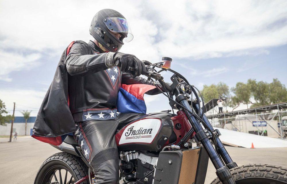 Travis Pastrana rinde homenaje a Evel Knievel