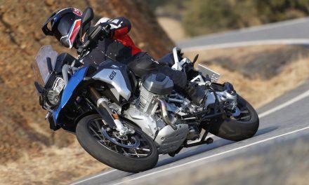 Historia del motor boxer de BMW: Desde las cuatro válvulas a la distribución variable