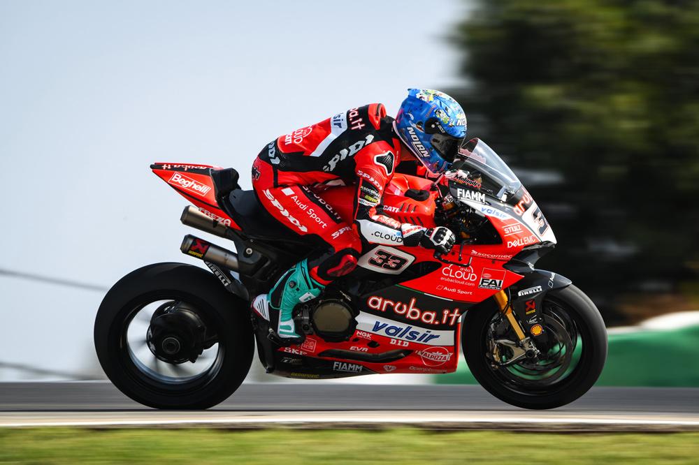 Marco Melandri durante la prueba de Portugal del Mundial SBK
