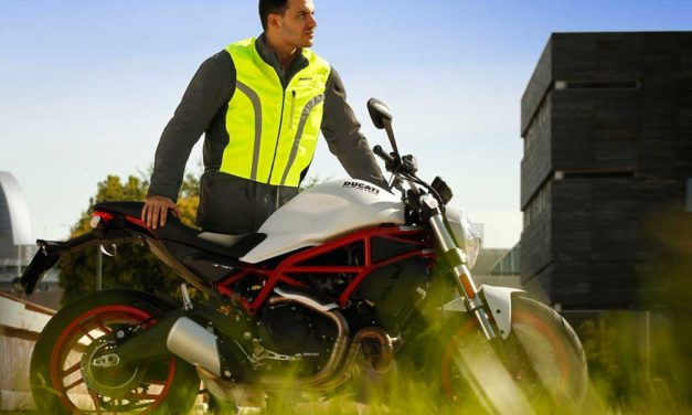 Impermeable y chaleco reflectante para moto Seventy Degrees