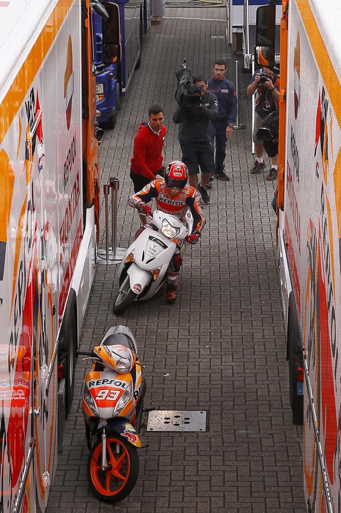 Marc Marquez una Q2 en scooter