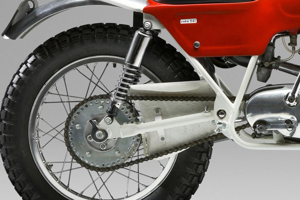La Montesa Cota 247 de 1968 tenía la corona aligerada y engrasador de cadena