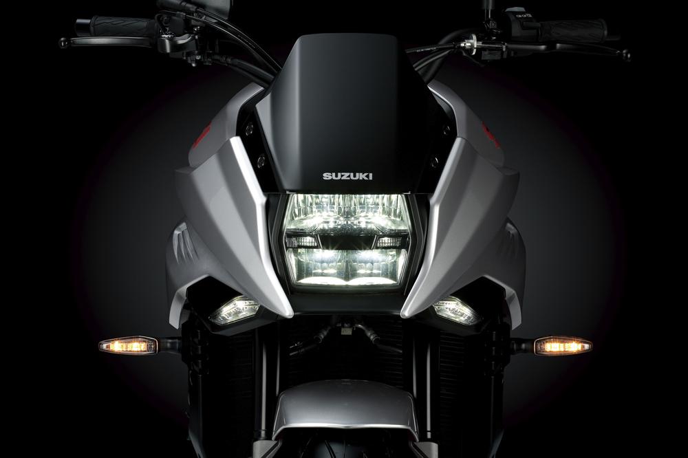 Faro delantero de la Suzuki Katana 2020