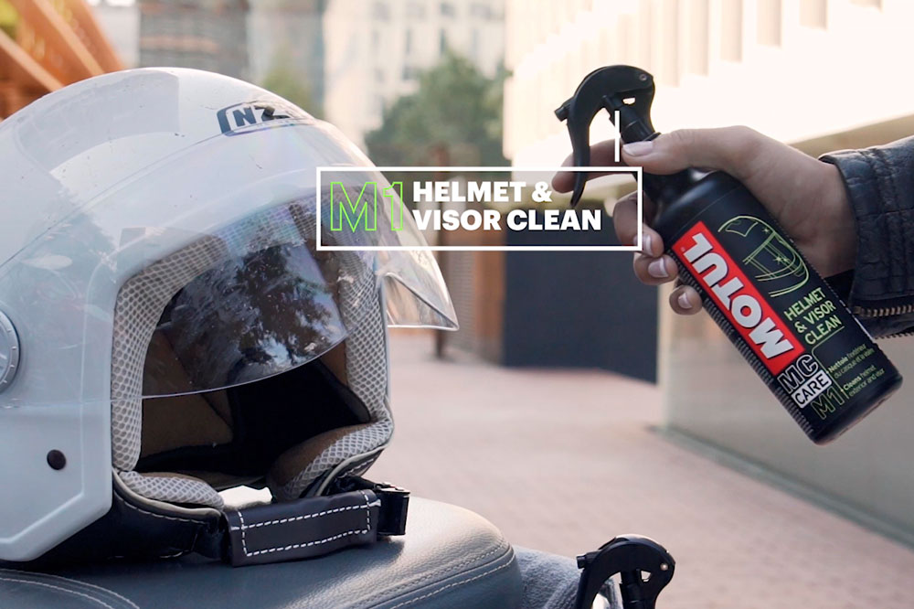 Limpiador casco y visera de Motul