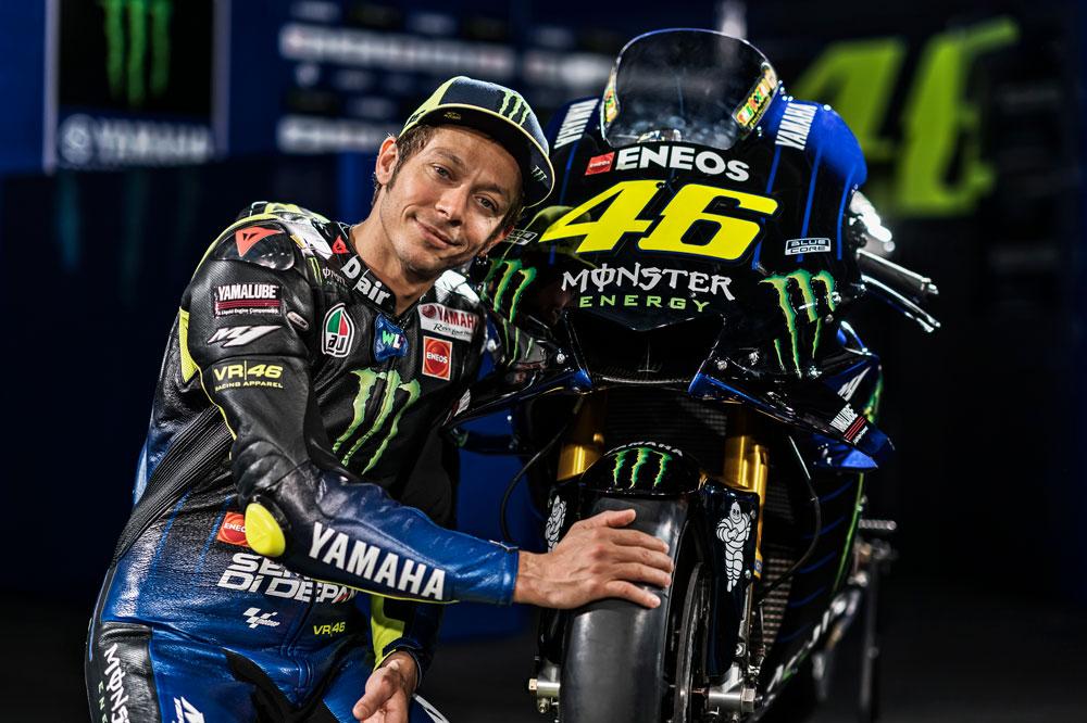 Valentino Rossi con su nueva Yamaha MotoGP