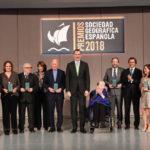 Alicia Sornosa recibe de manos del SM el Rey el premio al Viaje del Año