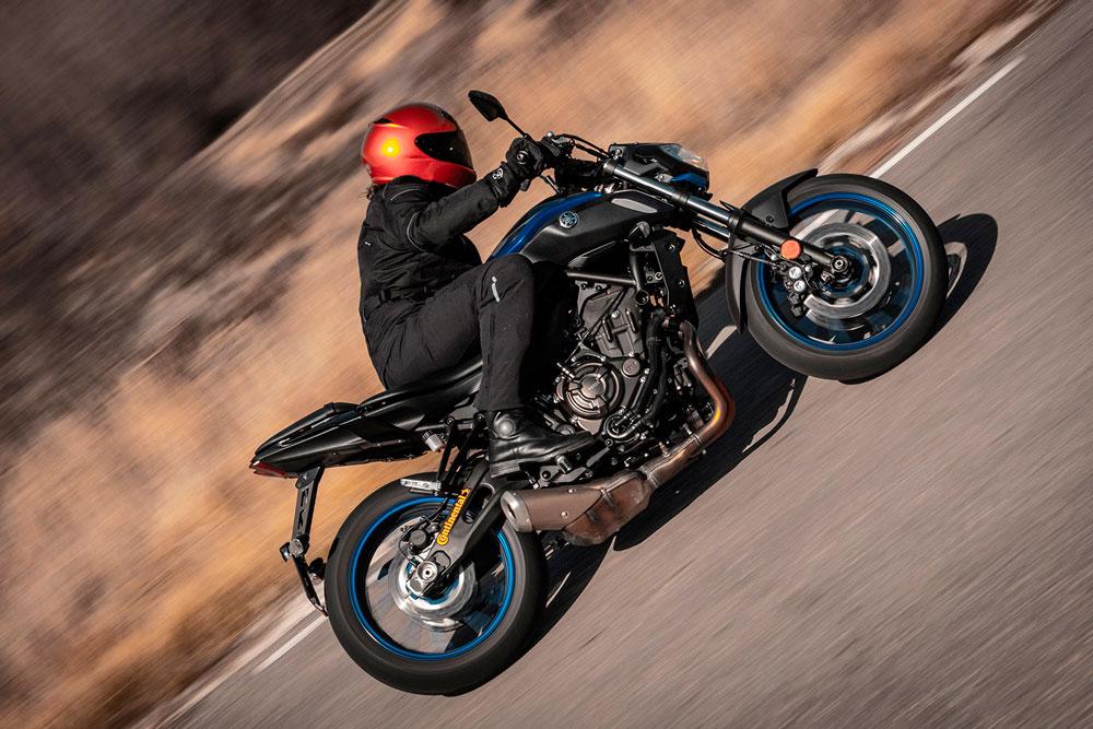Pruebas de los neumáticos de moto Continental ContiRoadAttack 3